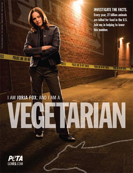 Jorja Fox proclama su vegetarianismo en un cartel de PETA